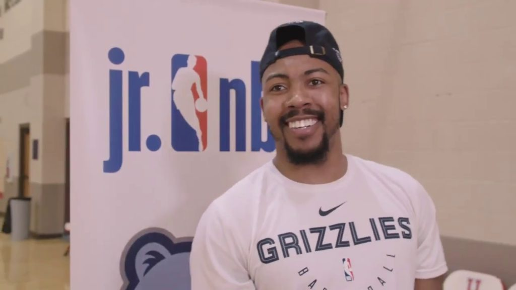 Jevon Carter visits Grizzlies Youth Summer Basketball Camp